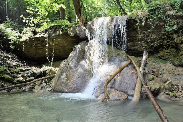 Cascate del Bucamante: Un'oasi naturalistica sull'Appennino Modenese